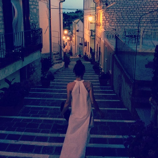 #oggiholafregoladi una notte in bianco. @blackblessed #dress #weloveit #summer #holiday #happy #sun #totalwhite #instafashion #instalove #instamood #streetstyle #streetchic #streetfashion #pretty #girls #loveit #igers #white #mydailylook #lookoftheday #outfit #fregole #night #dream / new project coming soon at www.fregole.com ???