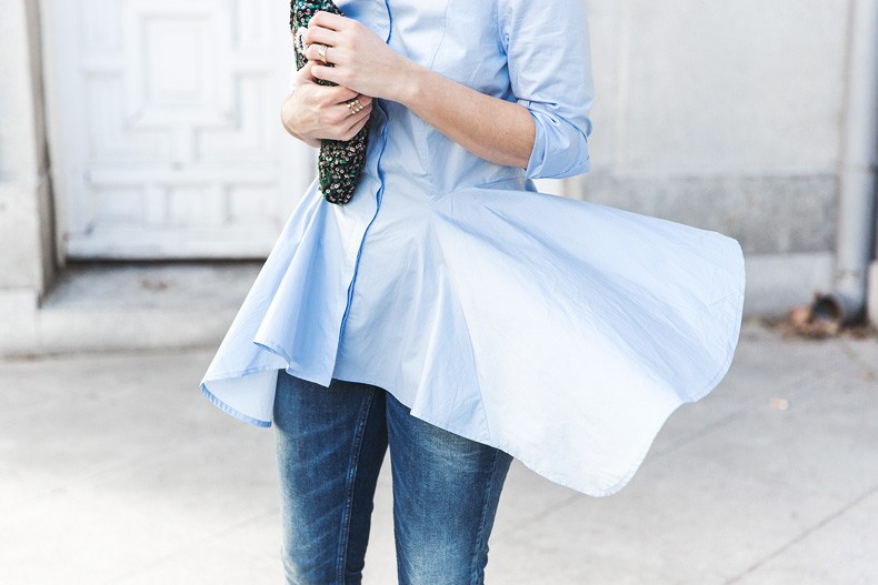 Ruffle_Shirt-Topshop_Skinny_JEans-BEaded_Clucth-Red_Sandals-Karen_Walker_Sunnies-Outfit-Street_Style-36-790x527